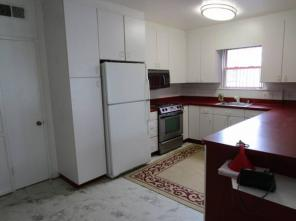 2br -Apartment for Rent in Private house - Utilities Included